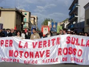 manifestazione comitato 14 dic. 2004