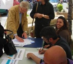 Il Sindaco di Amantea, Franco Tonnara, firma per il referendum sull'Acqua